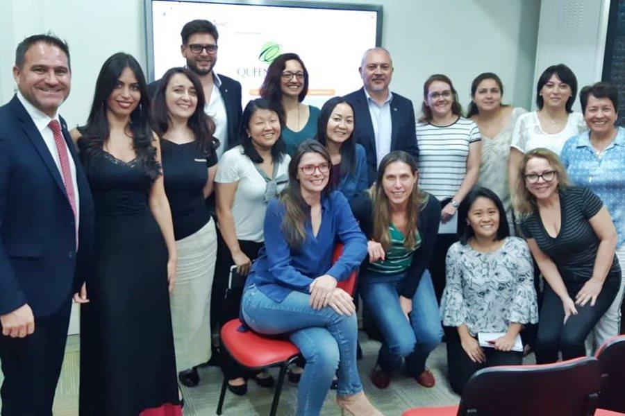 Presentación en Brasil