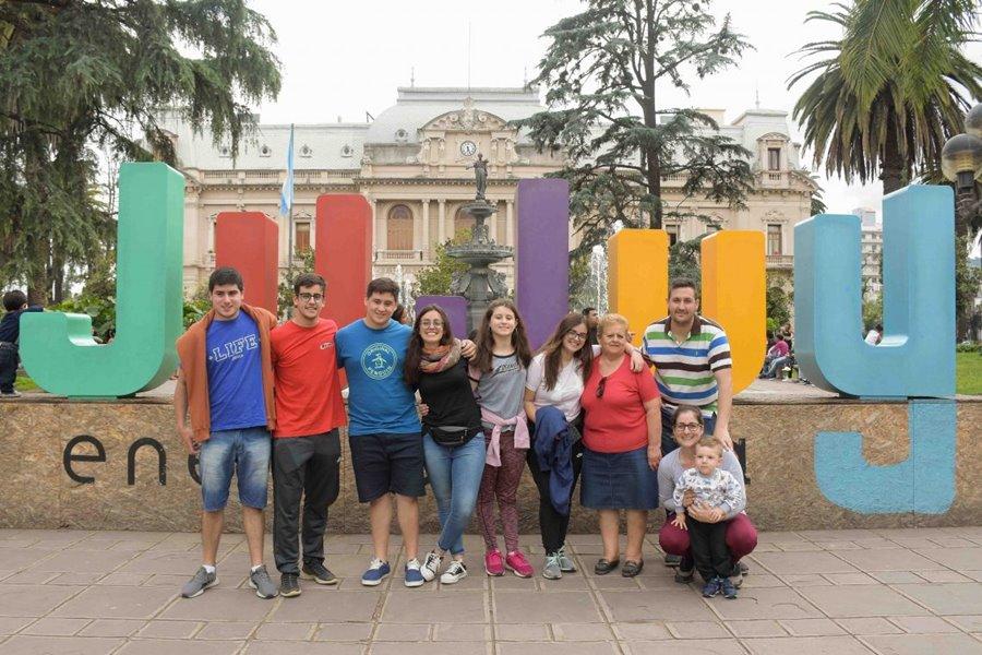 Familia de turistas en Jujuy