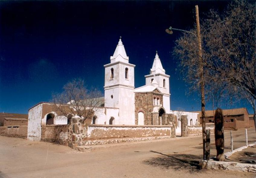 Iglesia Abdón Castro Tolay